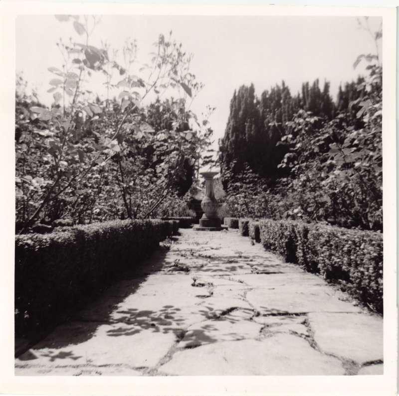Statue at Le Court